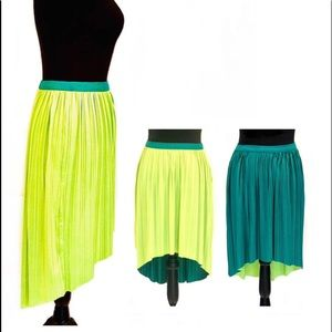 REVERSIBLE SKIRT W/ HANGING TAG LIME KELLY GREEN
